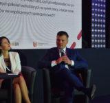 Ewa Han - wiceprezes Hasco-Lek SA i Marek Ignor - prezes DFR (2)