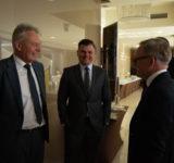 prof. Andrzej Kaleta - rektor UE, Marek Ignor - prezes DFR i Grzegorz Dzik - prezes Impel SA